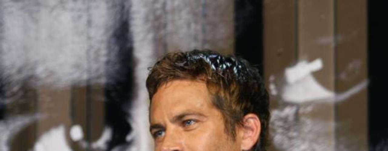 Paul sonríe durantela premiere de'Fast and Furious 4'en Taipei.Abril 15 de2009.
