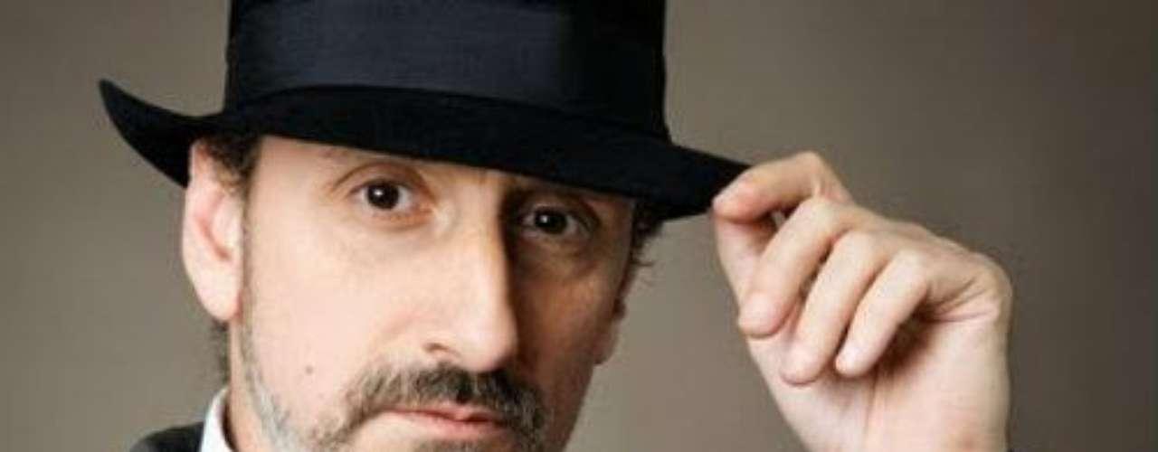 Nacido en la ciudad de Zaragoza, España, el 9 de diciembre de 1957, este actor ha sobresalido en cine, pero también en novelas y series de televisión en supaís como \
