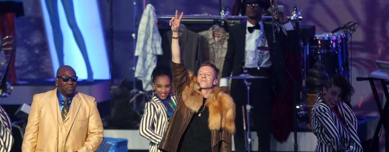 El concierto de nominados a la entrega 56 de los premiosGrammy 2014inició con las actuaciones deMacklemore & Ryan Lewis