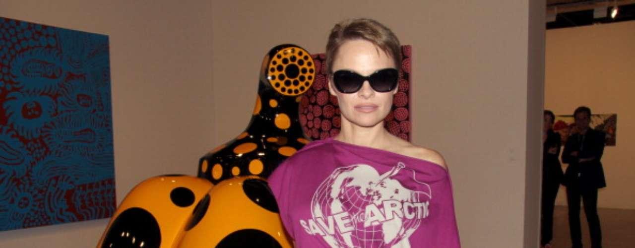 Mientras asistía a la edición de Art Basel en Miami, EE.UU. lució irreconocible, pues la famosa rubia ahora optó por el castaño claro.