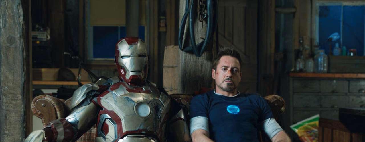 Iron Man 3 recaudó $409 millones de dólares convirtiéndose así en la película con más ganancias en el año además de que Robert Downey Jr. fue elegido como el actor más rico del cine de acuerdo a la revista Forbes