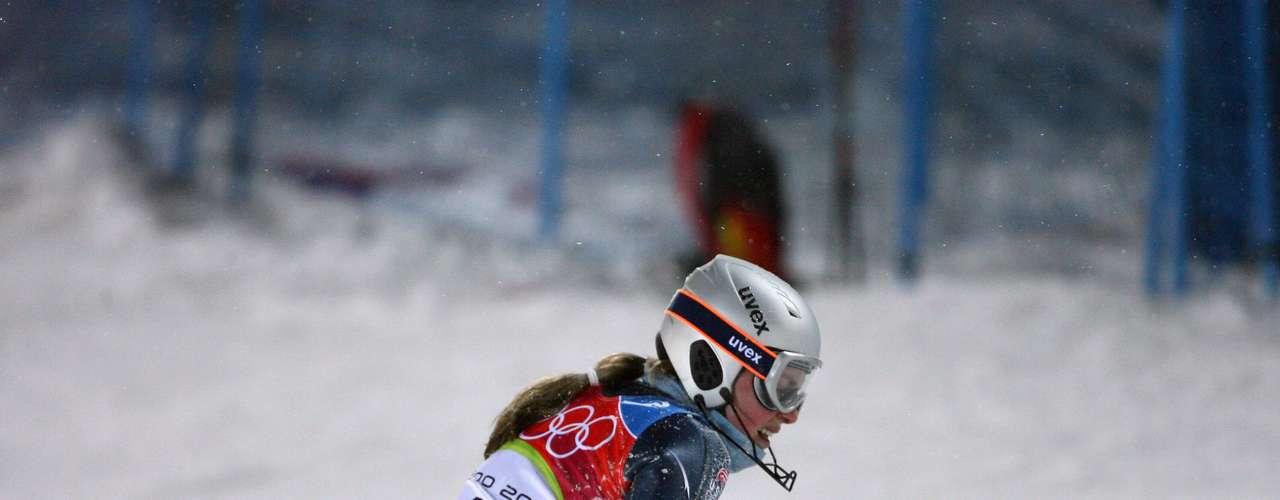 Cuatro años antes de su caída en Vancouver, en Turín 2006, Lindsey Vonn no pudo terminar su participación en el slalom por otro fuerte tropezón en la segunda ronda de la prueba.