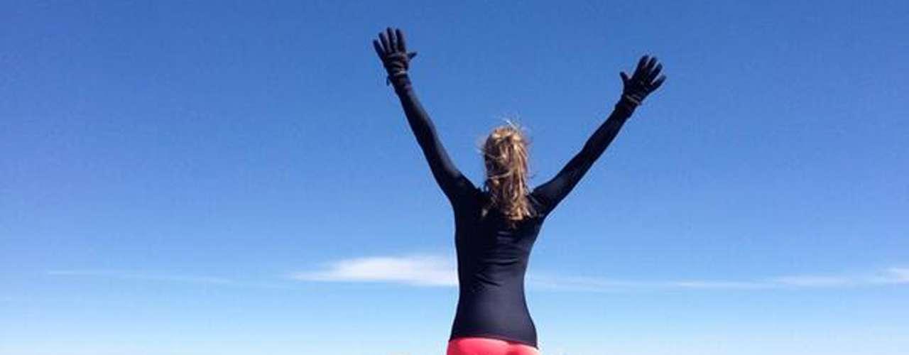 Vanessa Huppenkothen practicó patinaje por cerca de una década y además de ser aficionada al futbol practica el montañismo, el boxeo y pilates.