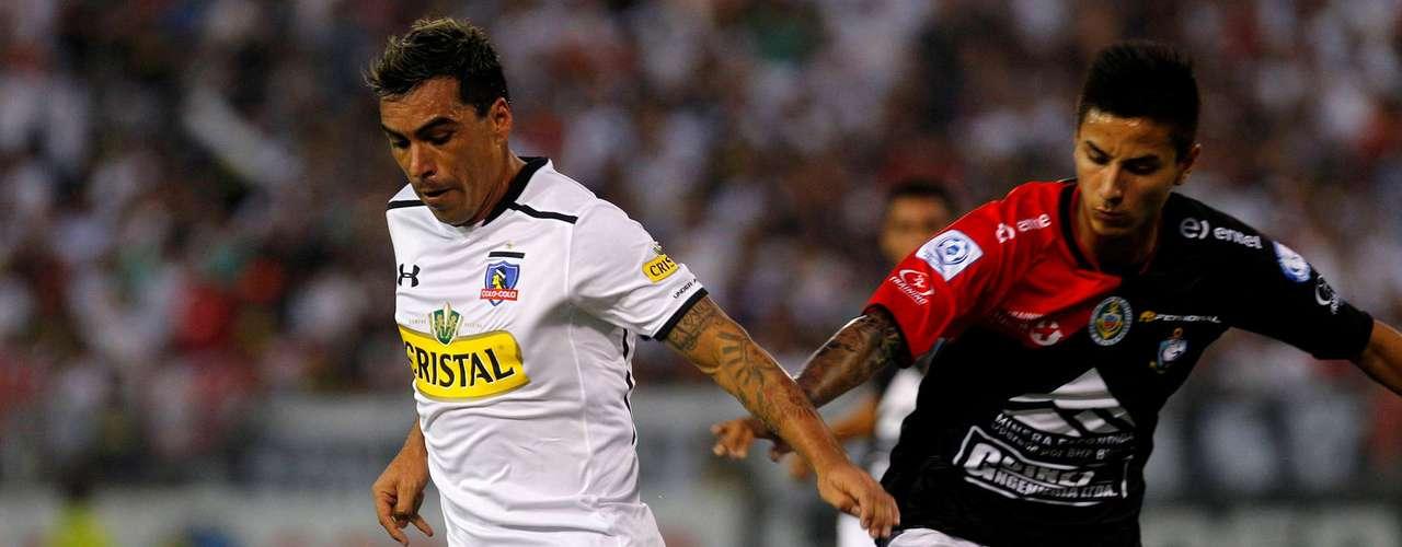 Los albos dejaron escapar puntos vitales, luego que los 'pumas' les igualaran al minuto 89 un partido que tenían controlado. El gol del Cacique lo marcó Jaime Valdés, mientras que la paridad visitante fue obra de Michael Silva.