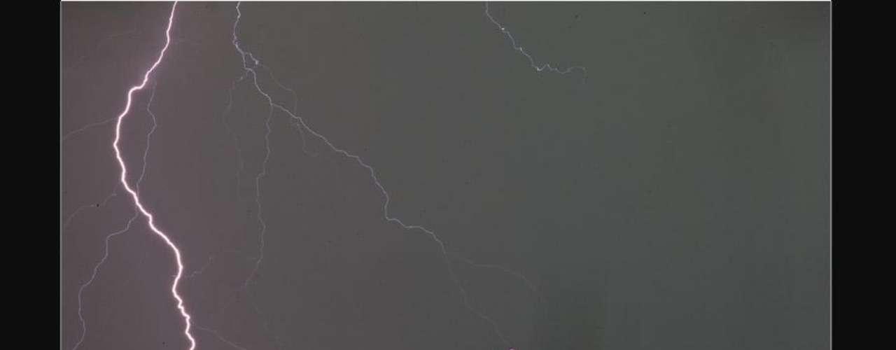 La archidiócesis de Rio de Janeiro informó a EFE que el rayo provocó \