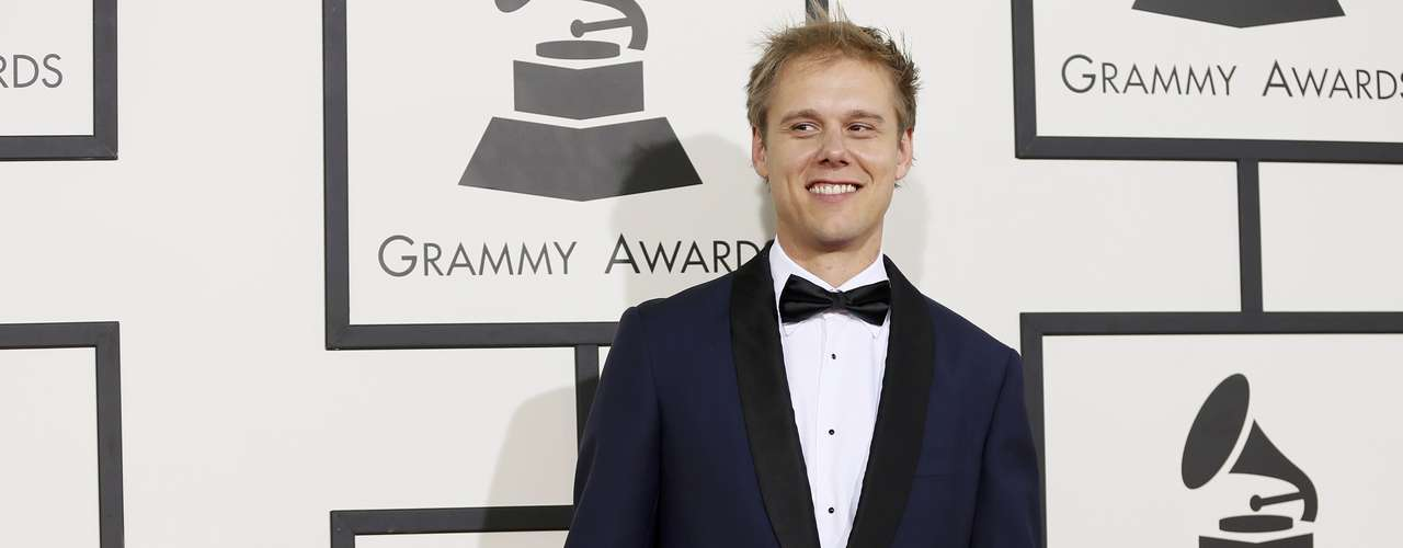 Pocas veces se le ve aArmin Van Buren de traje y estar en los Grammy fue la ocasión perfecta