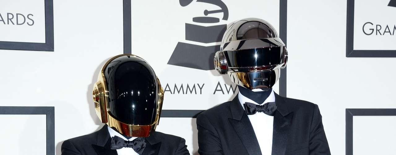 Daft Punk puso el toque místico pero elegante a la alfombra roja