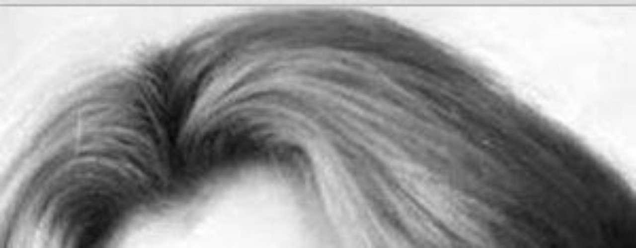 Logró su primer protagónico en la telenovela'Mundos Opuestos' (1976), en el papel de'Cecilia'; mientras que en cine tuvo unaparticipación en la película 'Los hijos deSánchez' (1978), con Anthony Queen, Dolores delRío, Katy Jurado y Lupita Ferrer, entre otrosdestacados actores.Lucía Méndezy la telenovela de sus memes y fotos eninternetLos 50 rostros más bellos delas telenovelasDivas de telenovelasque hicieron historia en la TV¿Triste realidad? Las estrellassin maquillaje