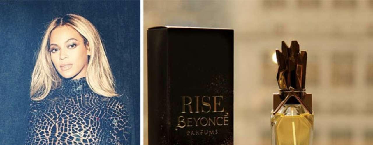 Una vez más Beyonce nos sorprendió con un nuevo aroma. Ahora se lució poniendo en el mercado, Rise una cautivante fragancia floral que la hace brillar como el oro.