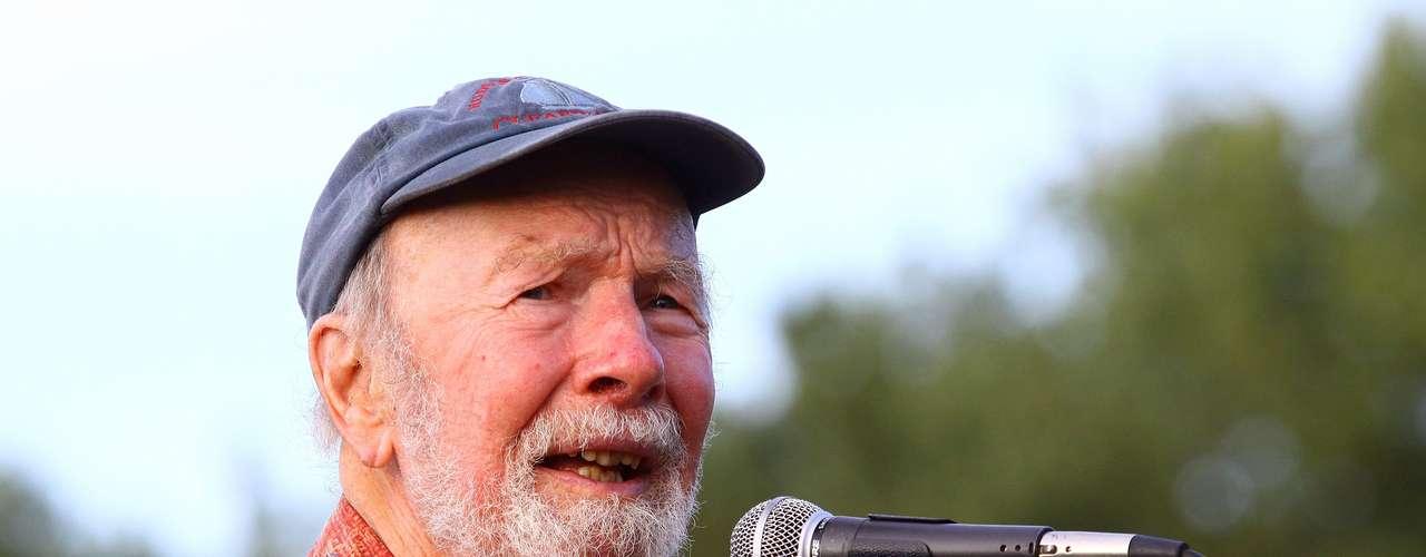 Pete Seeger.-El cantante, investigador y compositor de folk, considerado como una de las principales figuras de ese género musical y un activista por los derechos humanos, falleció el 27 de enero,en Nueva York,a los 94 años, \