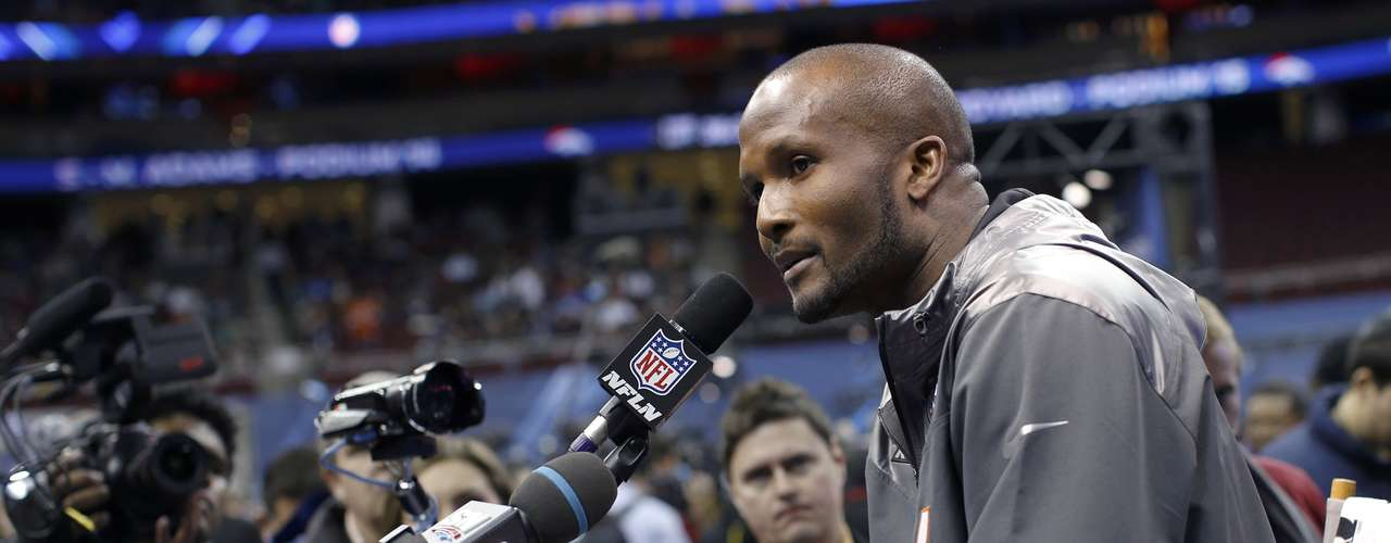 "Broncos cornerback Champ Bailey said he was eager to get back to practice sessions and studying the style of the Seahawks, who were due to face the crowd later on Tuesday. ""One thing you can't do is let your mind stray away from what you're here for,"" Bailey said. ""We're here to win a game."""