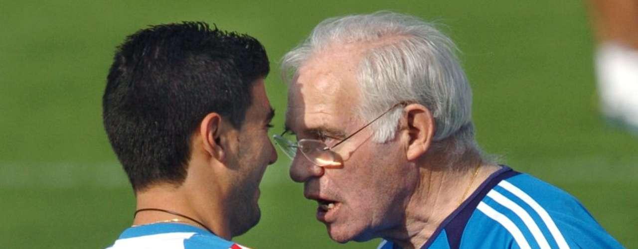 Luis Aragonés protagonizó imágenes inolvidables para el recuerdo como cuando se encaró conJosé Antonio Reyes y le espetó:\