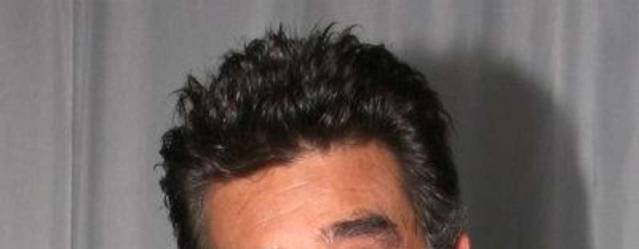 Una terrible sorpresa se llevó el actor y productor mexicano Jorge Ortíz de Pinedo, cuando a mediados de agosto de 2012, sus médicos del Hospital Salvador Zubirán -de la Ciudad de México, y uno de los mejores en el ramo-, le detectaron cáncer de pulmón y estómago.