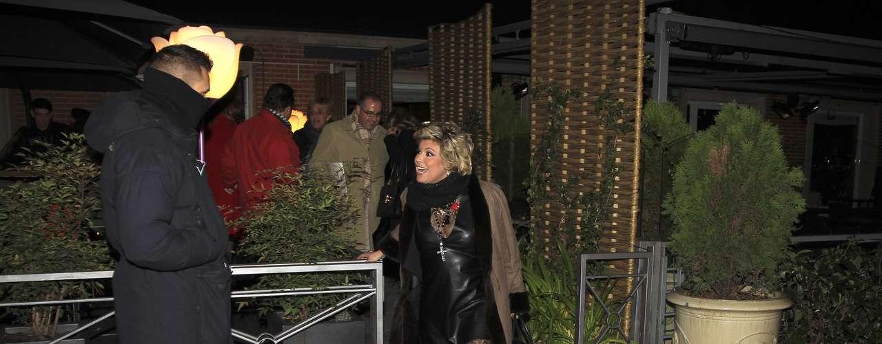 Terelu Campos celebró su último día en Sálvame (Telecinco) celebrando una pequeña despedida con sus compañeros. La presentadora se mostró muy cómplice con su compañero, el periodista Kike Calleja.