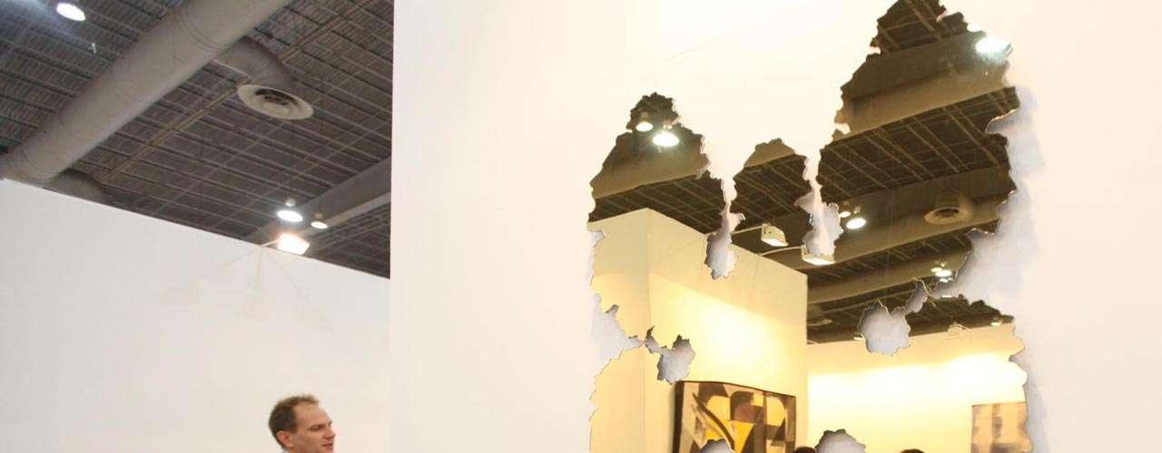 La cuarta sección es la de Diseño, que incluye las obras que se encuentran en las fronteras del arte y el diseño funcional.