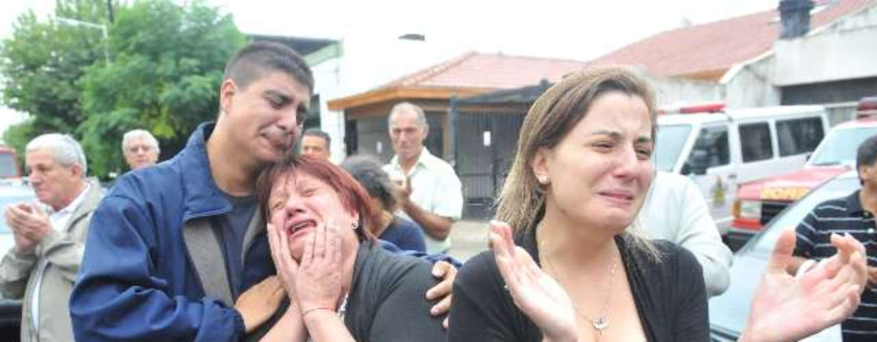 Tragedia en Barracas: el último adiós a los bomberos.
