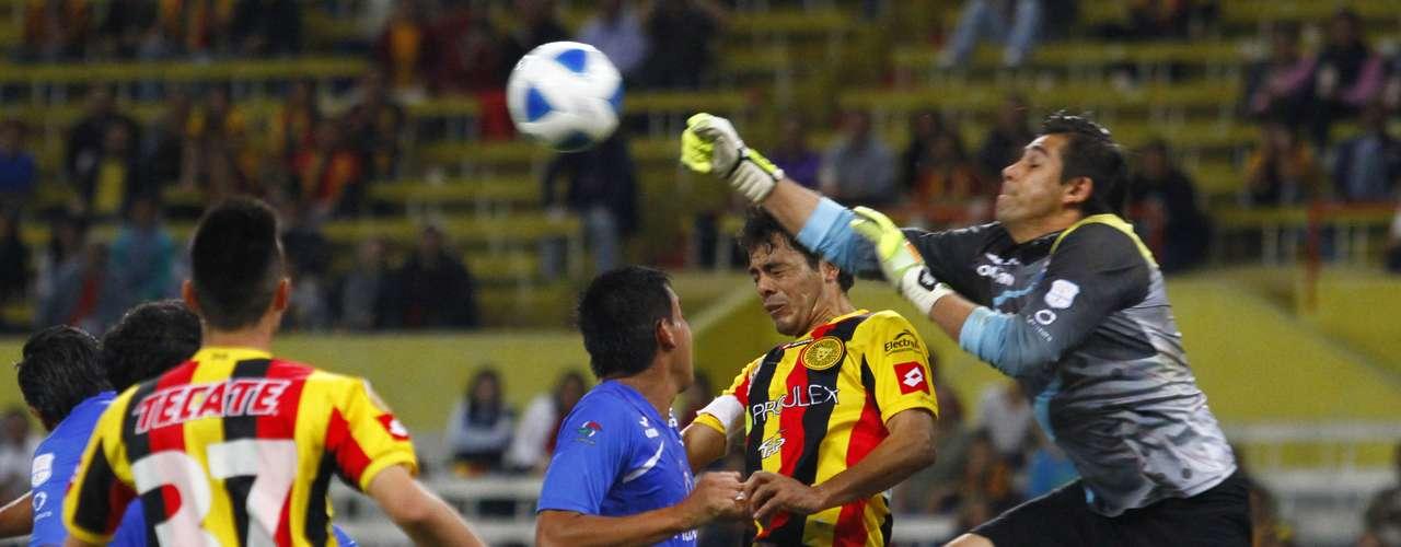 Leones Negros igualó 1-1 en casa ante Ballenas Galeana.