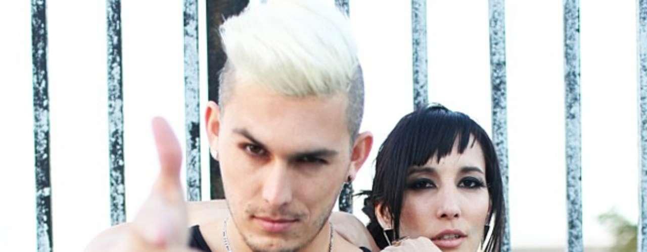 Gigi y David presentan una explosiva fusión latina de ritmos urbanos, pop, electrónica y reggae.