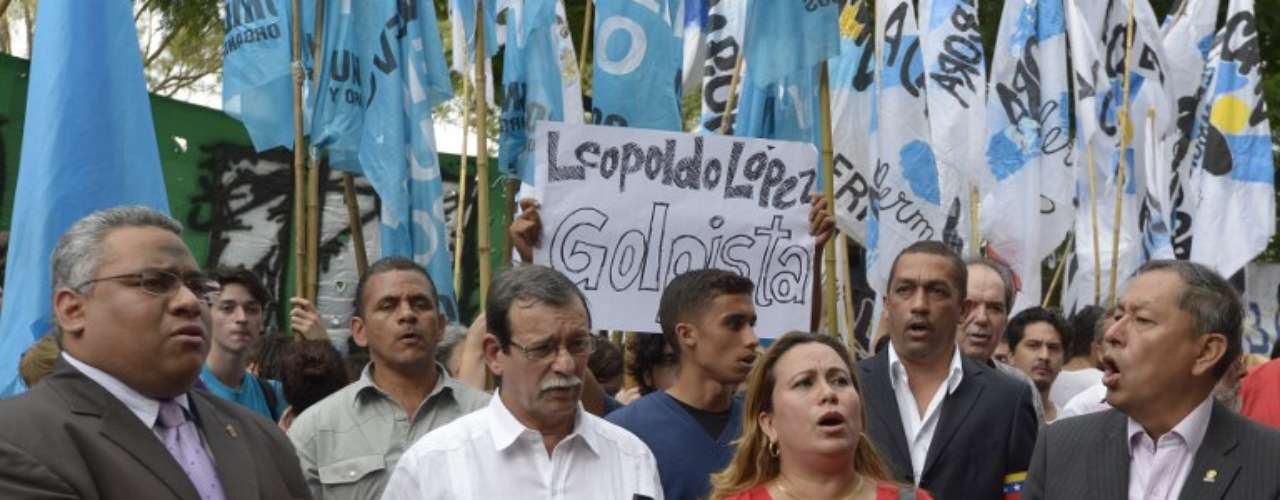 En las principales ciudades del mundo repudian la detención del opositor Leopoldo López. Venezolanos en el exterior y ciudadanos de todas partes del mundo se movilizaron hacia lugares emblemáticos de su ciudad para apoyar las protestas antichavistas. \