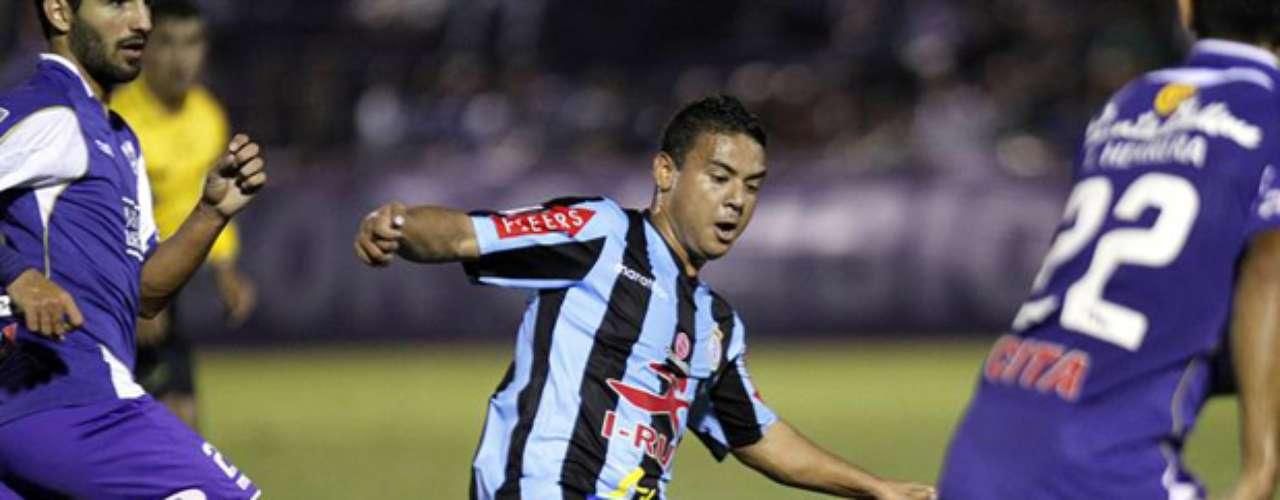 El subcampeón peruano Real Garcilaso cayó por 4-1 en su visita a Defensor Sporting en Montevideo, Uruguay, por la segunda jornada del Grupo 5 de la Copa Libertadores 2014.
