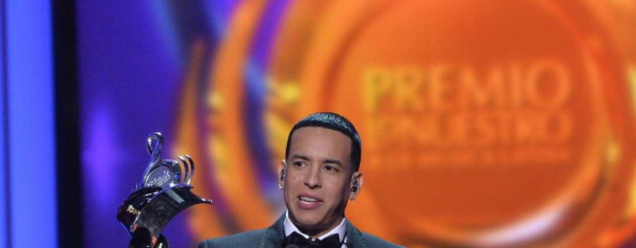 Marc Anthony aprovechó la tribuna del Premio Lo Nuestro 2014 para reconocer a sus \