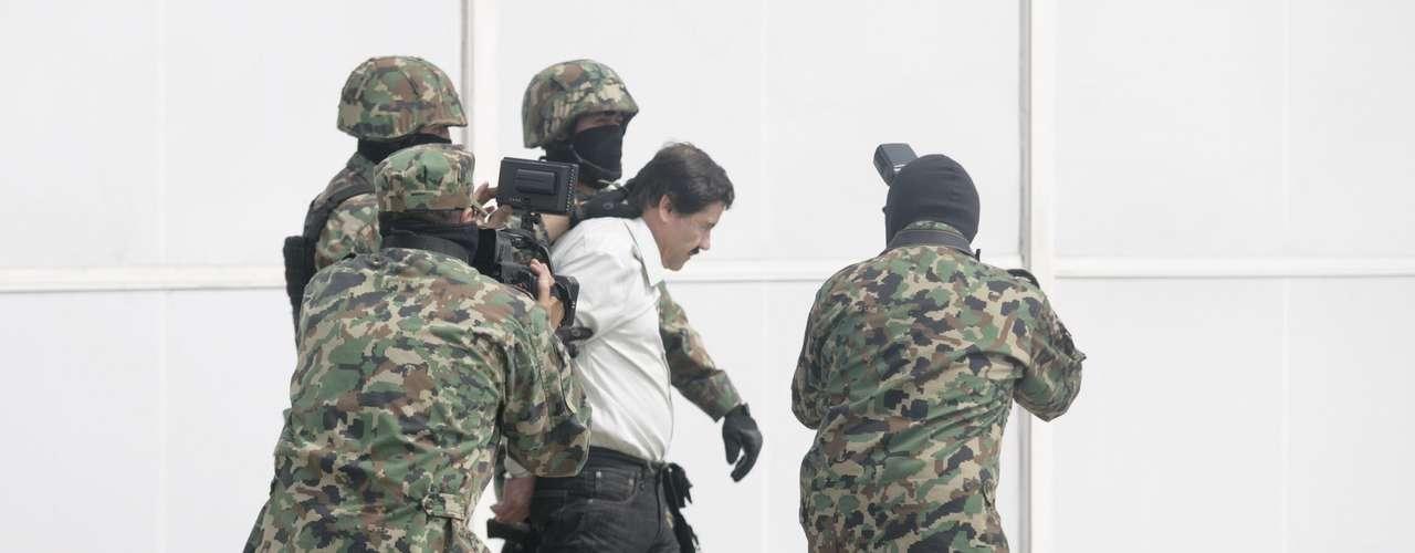 El funcionario dijo que Guzmán, quien estuvo prófugo 13 años, será trasladado a un penal y que en su captura se contó con la colaboración e información de agencias de Estados Unidos.