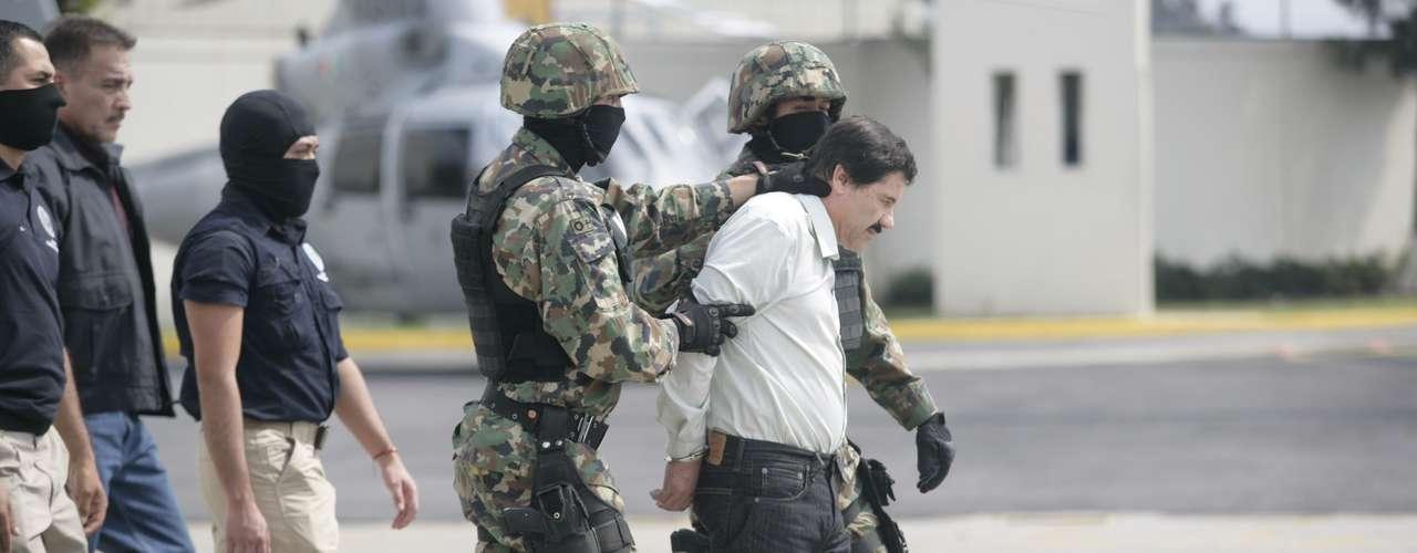 En un mensaje a nombre del Gobierno mexicano a los medios de comunicación, el procurador general de la República, Jesús Murillo Karam, aseguró que en la captura del capo no se hizo ni un solo disparo.