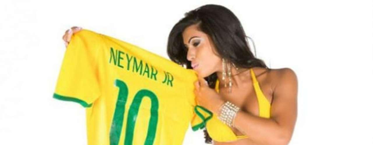 Once finalistas del concurso 'Miss BumBum' organizaron un nuevo certamen en el que se elegirá a la musa del Mundial Brasil 2014. La ganadora se conocerá el próximo 5 de marzo. Las concursantes tuvieron que elegir al jugador más metrosexual que participará en el torneo, siendo Cristiano Ronaldo el ganador. Hulk como el futbolista con el mejor trasero y Neymar fue designado como el menos atractivo.