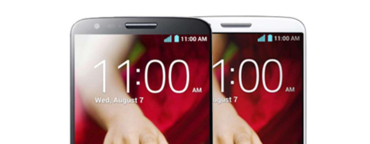 9º - LG G2 - Si te llevas este smartphone disfrutarás de una pantalla de cinco pulgadas. Según Business Insider, este es el noveno mejor celular del momento