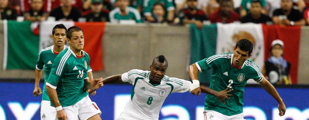 El primero en la lista es Nigeria, que en la única fecha FIFA, programada para el 5 de marzo, será rival de México en Atlanta. Los africanos son lo más parecido que el Tri pudo conseguir como rivales semejantes a Camerún primer rival en el Mundial. El último duelo entre ambos fue empate a dos en el 2013. Javier Hernández marcó ambos goles mexicanos. El historial indica que en 4 partidos, México tiene una victoria y tres empates.