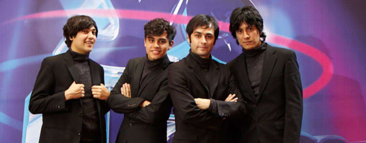 Amparo Grisales ha admirado el talento y afinación de los imitadores de 'The Beatles'.