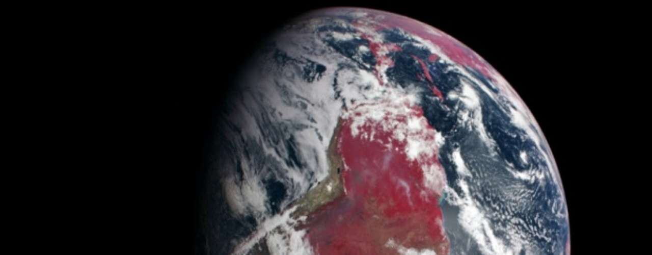 El viernes 7 de marzo, la NASA difundió una imagen satelital que muestra cómo brillan las plantas en el sur de América, así como una parte del norte continental y África.