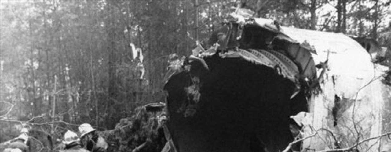 3 de marzo de 1974. El vuelo de Turkish Airlines 981, un McDonnell Douglas DC-10 que se estrelló en las afueras de Senlis, Francia. El accidente fue por la mala cerradura del sistema de carga enganche, en él perdieron la vida los 346 a bordo.