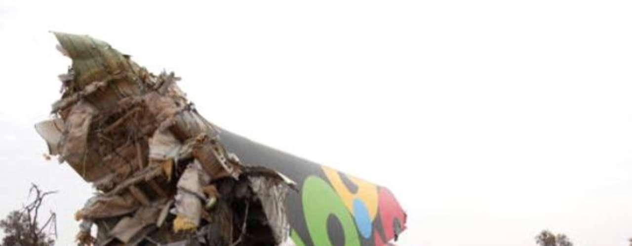 25 de diciembre de 2003. Un Boeing 727 de la UTA con 141 personas a bordo se estrella al despegar del aeropuerto de Cotonú (Benin). Hubo 130 muertos.