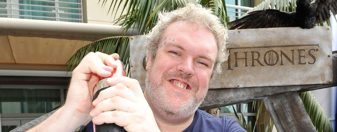 Kristian Nairn se declaró abiertamente homosexual en una entrevista para WinterIsComing.net. El actor de 'Game of Thrones' aseguró que nunca lo ha ocultado y que siempre tuvo el apoyo de sus compañeros de la serie.