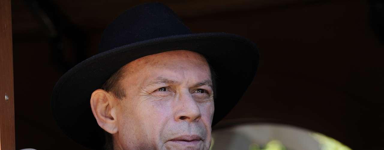 José Wilker fallecióeste sábado a la mañana, víctima de un infarto fulminante, en su casa de Río de Janeiro.En esta foto, el actor en'Gabriela'