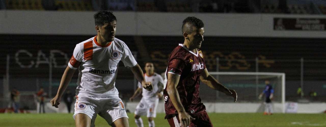 Delfines del Carmen y Estudiantes Tecos empataron 1-1 en Campeche.
