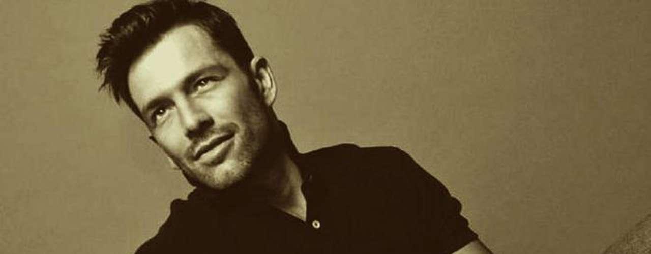 Federico Díaz difundió su homosexualidad en Twitter con un mensaje en el que decía que Dios lo premió con su preferencia. Estuvo casado con Liz Vega y cuando la cubana se enteró, le envió palabras de apoyo y respeto.