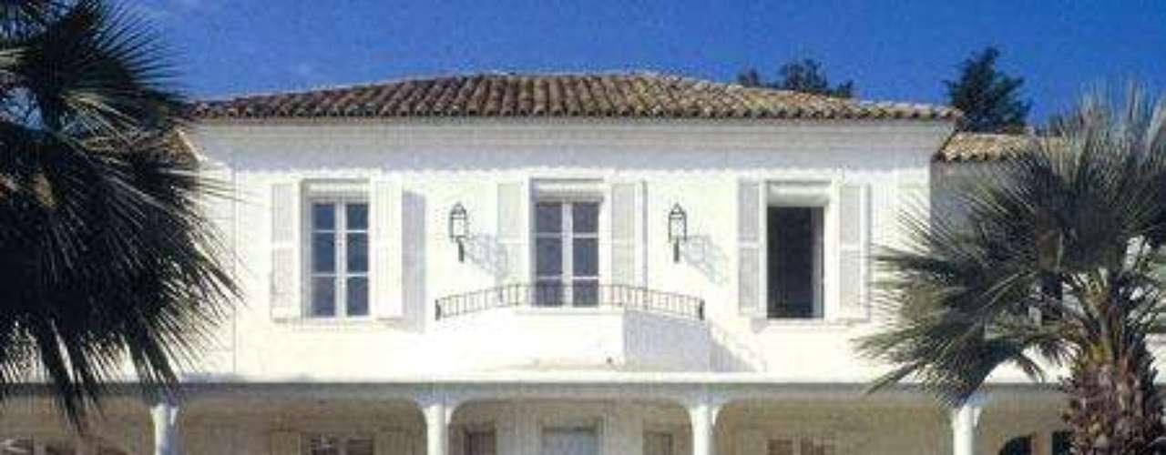 La casa de Zidane, con un estilo mucho más clásico y depurado que las de sus colegas.