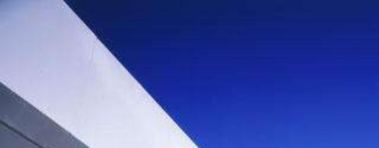 Imagen de la terraza exterior de la casa de Míchel Salgado, diseñada también por Torres.