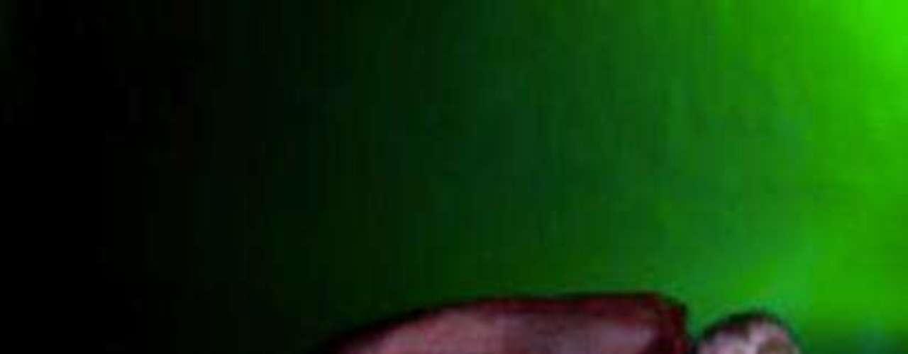 La actriz porno Gaby Jones asegura que los alimentos con grandes cantidades de calorías como el helado o las hamburguesas le producen orgasmos. Lejos de sentirse mal por ello le ha sacado partido y ha creado la página web www.gaininggabi.com donde por 10 libras pueden verse videos de cómo la actriz porno tiene un orgasmo mientras come.