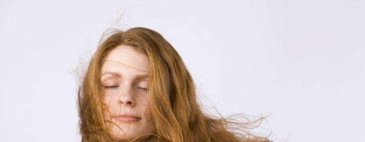 1. No te laves el cabello al otro día de habértelo pintado. Deja que el color se fije bien.