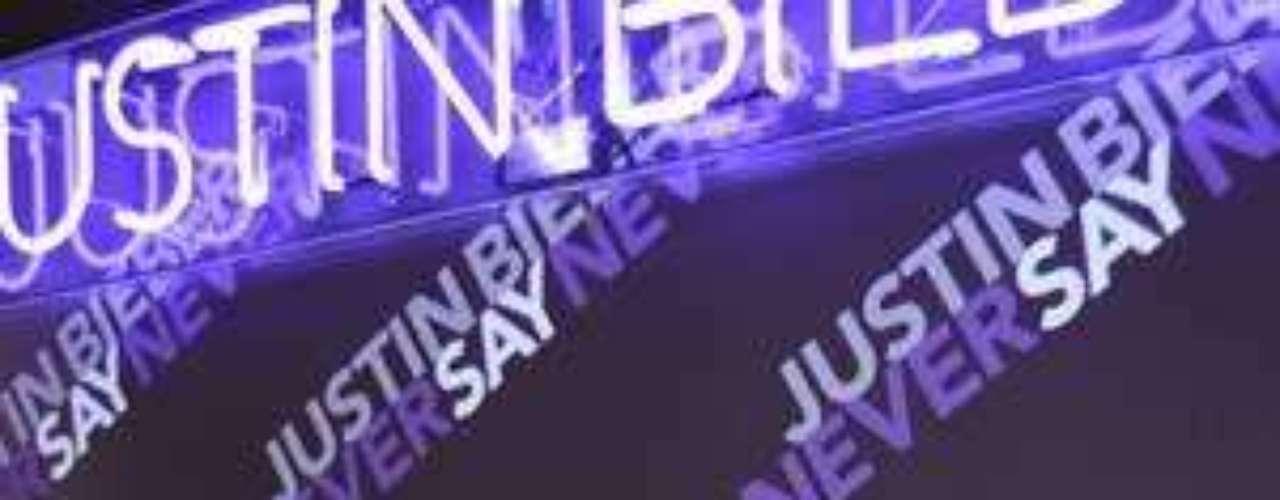 La alfombra morada del estreno de la película de Justin Bieber 'Never say never' fue todo un éxito. Checa la cantidad de personalidades que se dieron cita para este prendido evento. ¿Quién es tu favorito?