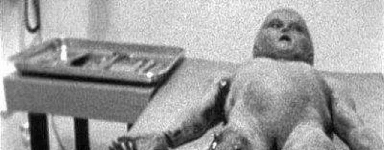 El conocido caso Roswell ocurrió en diciembre de 1980 en el bosque de Rendlesham, Gran Bretaña. Hubo una serie de avistamientos que ocurrieron durante tres días y hasta habrían incluido el aterrizaje de un OVNI cerca de una base militar.