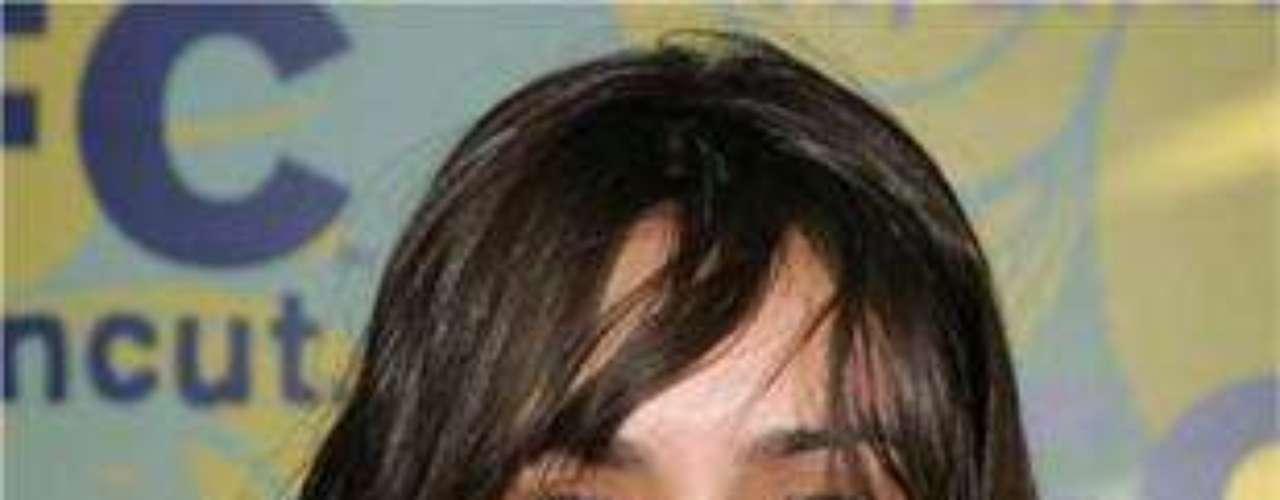 La bella actriz tiene tres tatuajes que incluyen una flor dentro de una 'S' en la espalda y en el hombro derecho la palabra 'Believe'