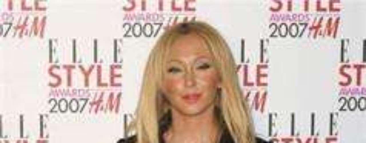 La cantante británica tiene tatuada una estrella fugaz en el interior de su muñeca derecha