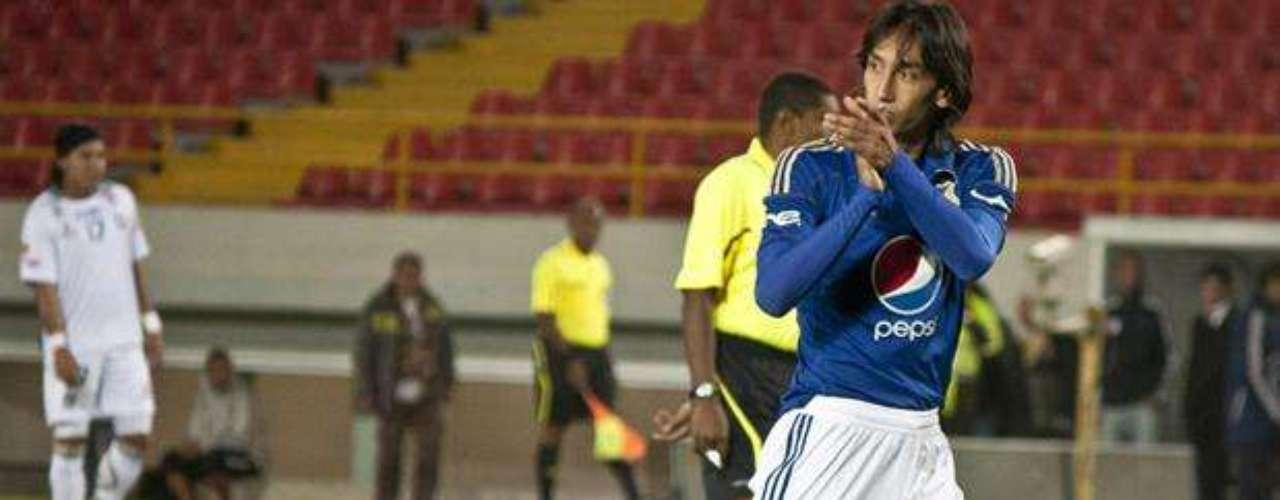 El punto de partida para consolidarse en el cuadro azul, fue en el 2007, año en el que disputó la Copa Sudamericana y en el que se abrió un espacio en el equipo titular.