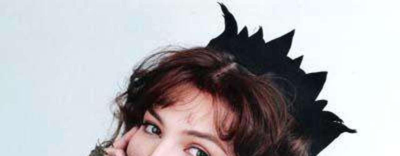 'LaMarginal' fue como el personaje de itatí llamó en la novela a la personificación de Thalía. Por la duración de la novela, el público solía bromear con el calificativo convirtiéndose casi en una palabra obligada en el diario vivir de los mexicanos.Añáde Terra Telenovelas en Facebook