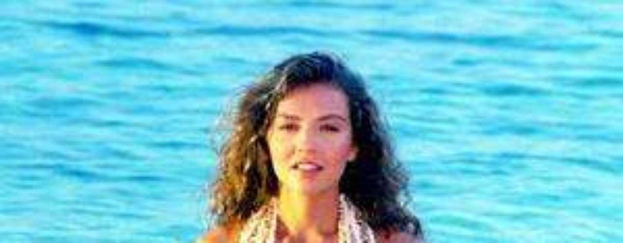 Esta sí que fue una historia memorable.  'Marimar' fue protagonizada por Thalía, Eduardo Capetillo y, como antagónica, contó con la participación de Chantal Andere.Añáde Terra Telenovelas en Facebook