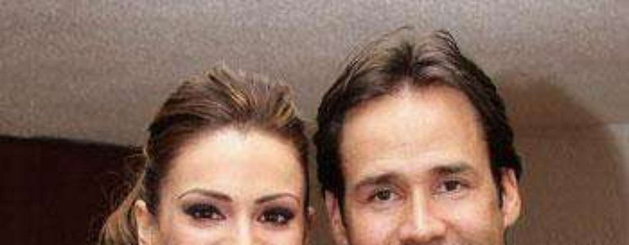 Matrimonio: Bernardo Martínez y Luz Elena González.